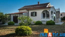 A Croatic.hu weboldalán jobbnál-jobb horvátországi apartmanok között nézelődhetünk kedvünkre.