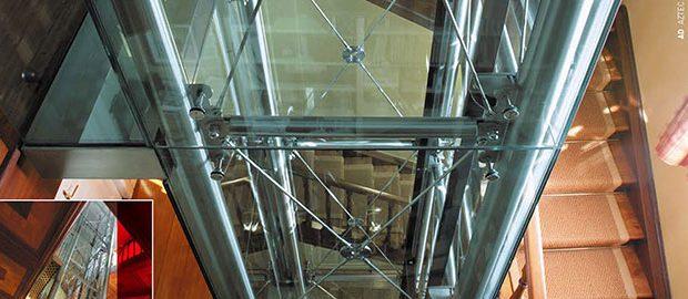 Profi liftszerelést vehet igénybe.