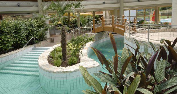 Pompás hangulatú medencék várják ebben a kedvelt élményfürdőben.