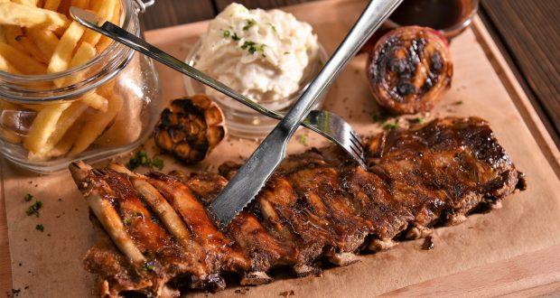 Íncsiklandó BBQ ételek.