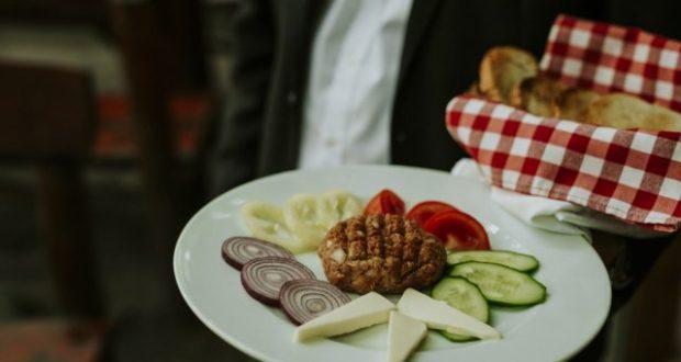 Magyaros étterem változatos étlappal.